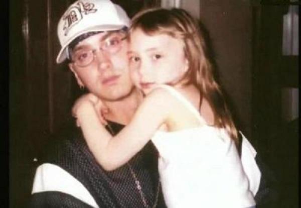 Eminem'in kızı Instagram'ı salladı!