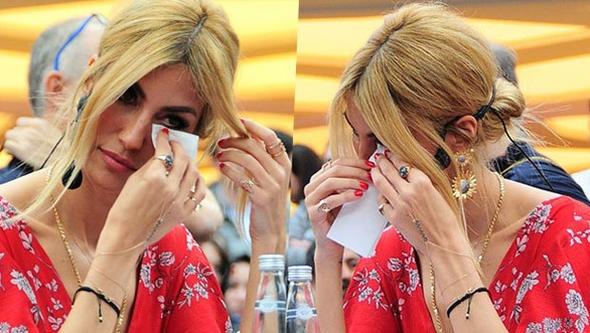 Çağla Şıkel'in gözyaşları!
