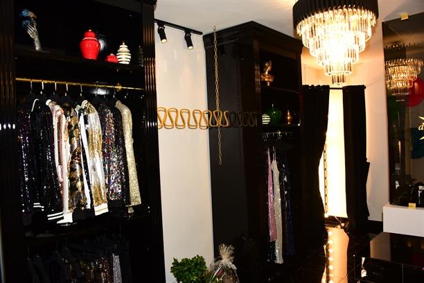 """Eda Güzelcik, """"dayNnite"""" markasının ilk mağazasını Arnavutköy'de açtı!"""